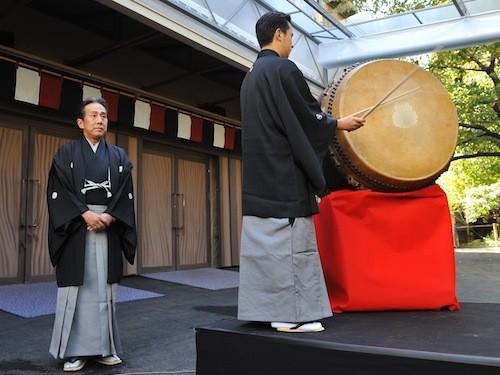 中村勘三郎さん(左)と田中傳次郎さん(右)
