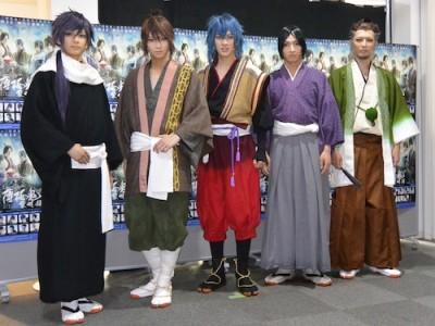 左から橋本祥平さん、荒牧慶彦さん、白又敦さん、佐々木喜英さん、窪寺昭さん