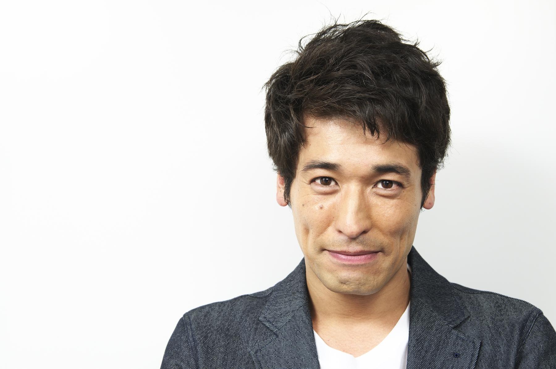 真顔のかっこいい佐藤隆太